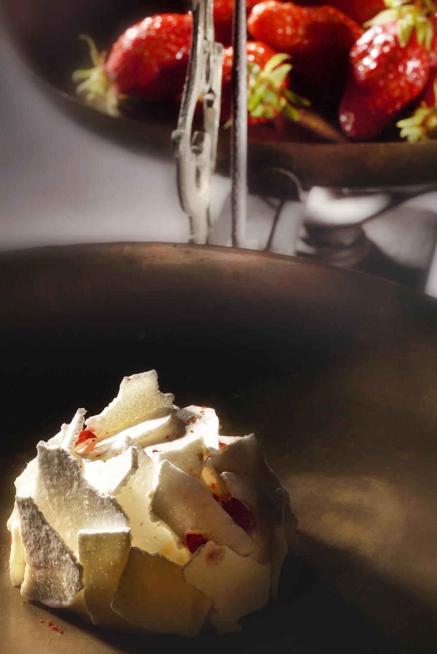 fraises glacées à la carte d'été 2018 du restaurant gastronomique Le Clair de la Plume à Grignan en Provence